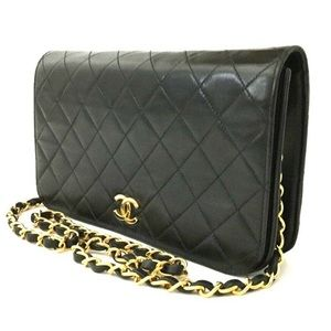 LIKE NEW Chanel Quilted Full Flap Shoulder Bag